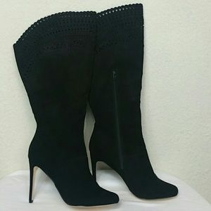 Shoes - Black knee high boots like new